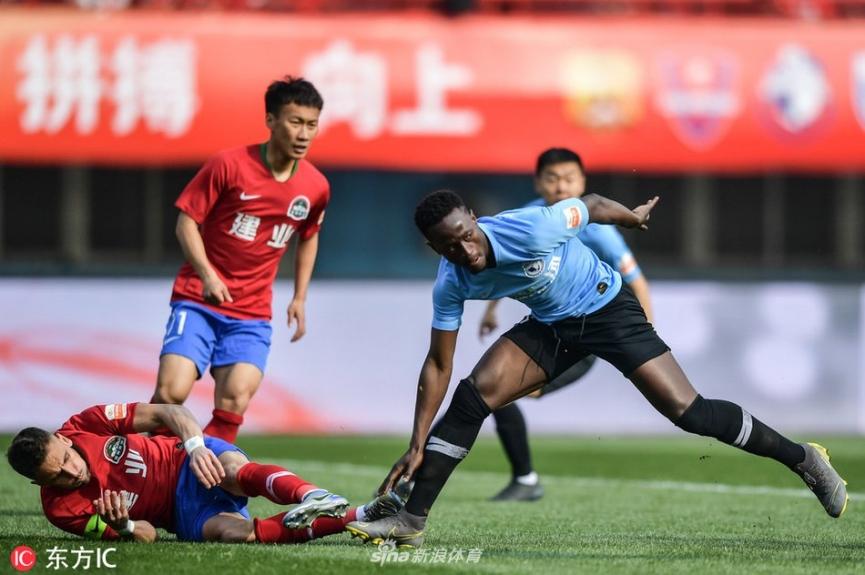 Emmanuel Boateng impresses on his Dalian Yifang debut against Henan Jianye