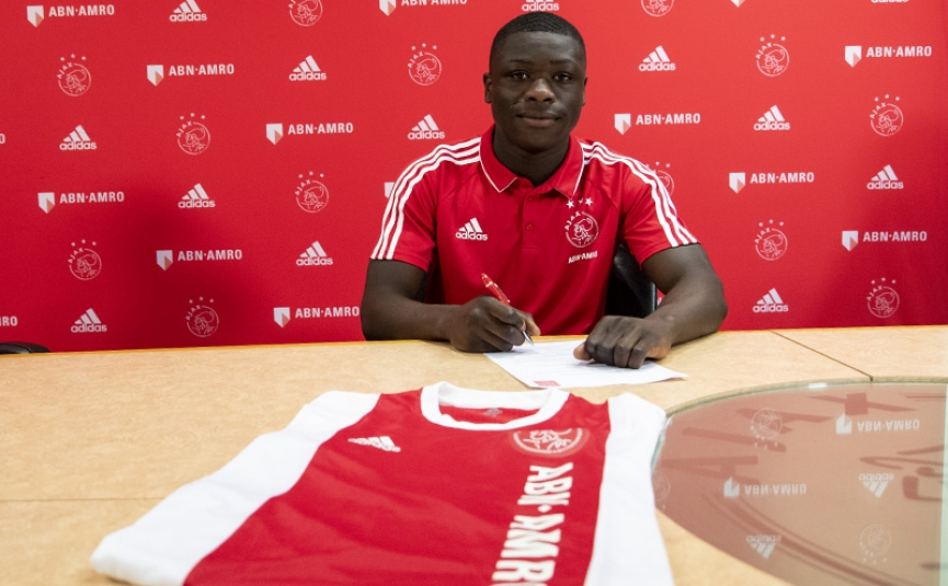 EXCLUSIVE: Man United and City target Brian Brobbey signs deal with Ajax