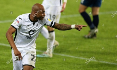 Andre Ayew scores classy goal on injury return to rescue Swansea City from home defeat