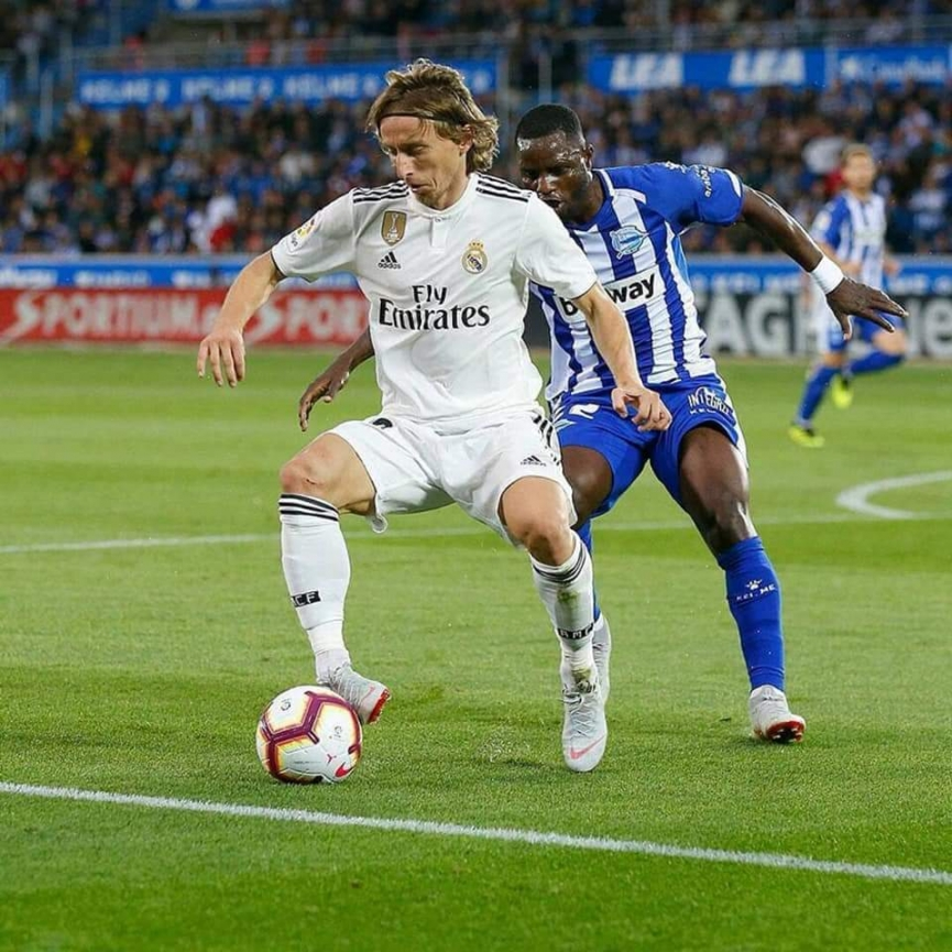 Mubarak Wakaso excels as Alaves pip Real Madrid