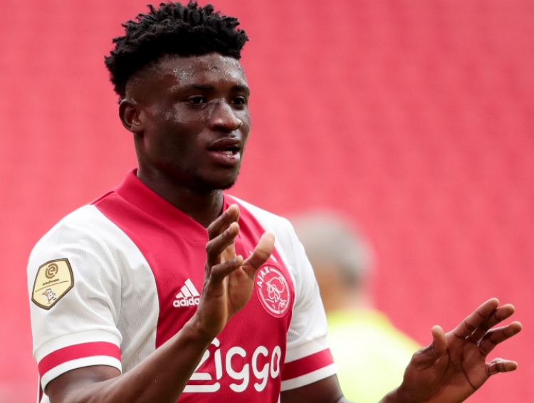Kudus Mohammed scores and provide double assists for Ajax on injury return