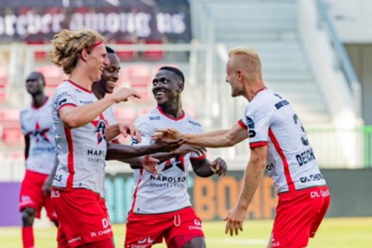 Opare's absence for Beerschot game is a shame, says Zulte Waregem boss Francky Dury