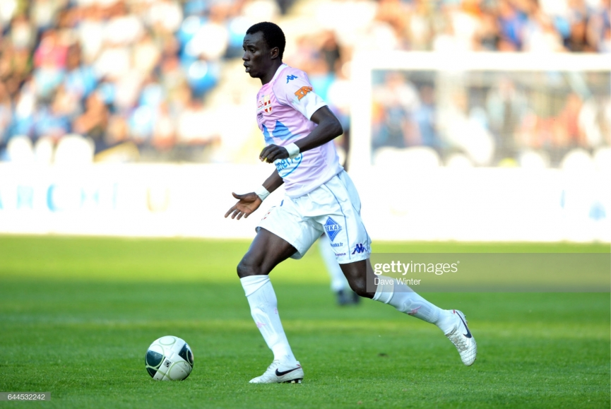 Rabiu Mohammed sent off on Paris FC debut
