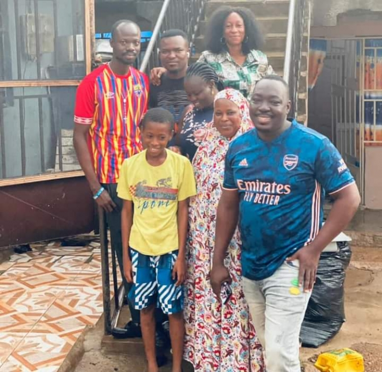 Phobia Fire for Fire, Kumasi makes generous donation to late Shomo Quaye's family