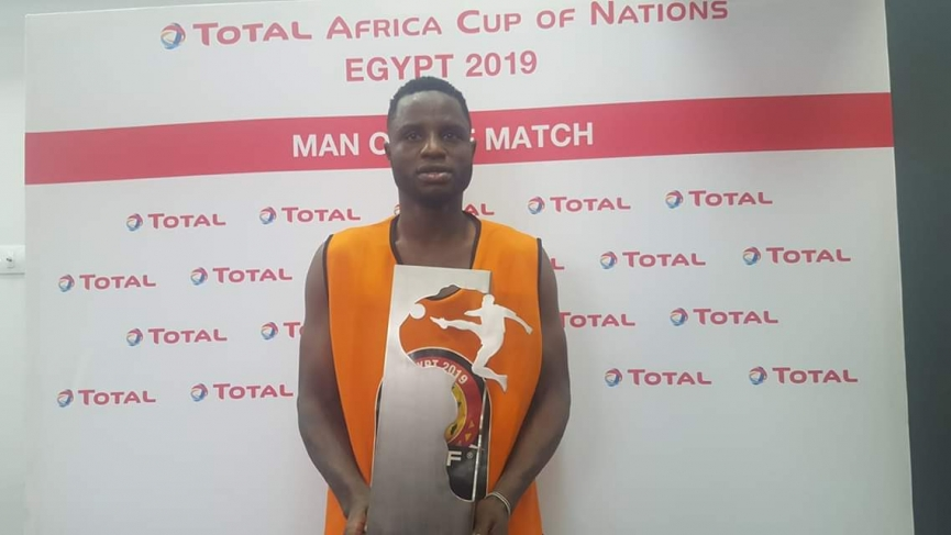 Mubarak Wakaso cries after winning Man of the match Award in Ghana-Tunisia match