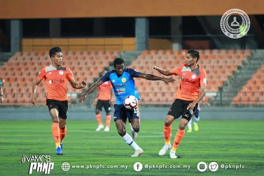 Thomas Abbey scores his first goal for PKNP FC in Malaysia