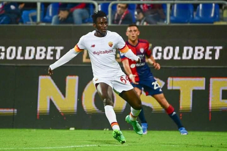 Ghanaian youngster Felix Afena-Gyan makes AS Roma senior debut in win over Cagliari