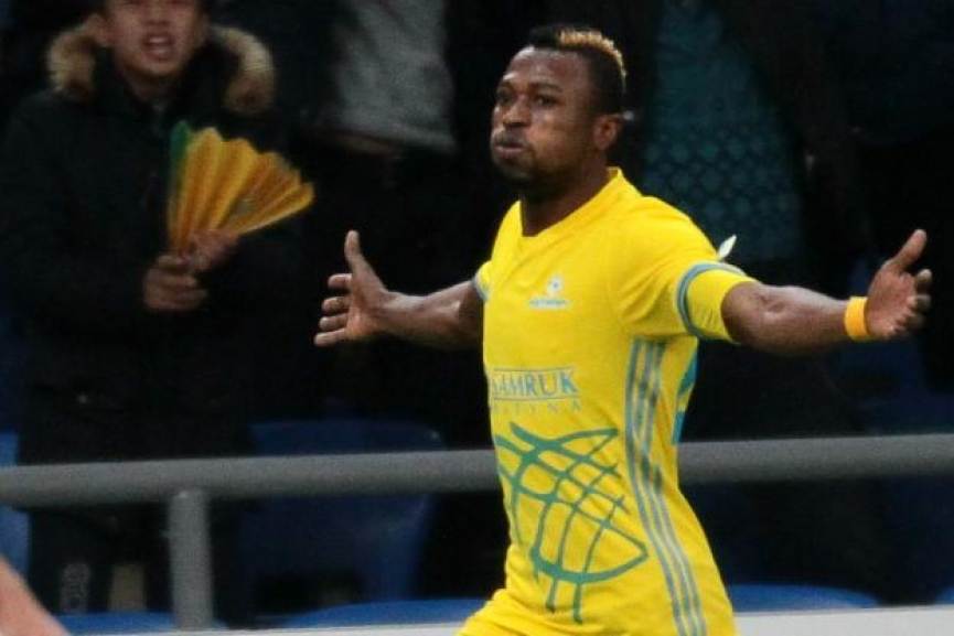 Patrick Twumasi scores for FC Astana in Europa League