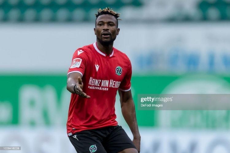 Patrick Twumasi climbs off the bench to hit BRACE to hand Hannover 96 a big win
