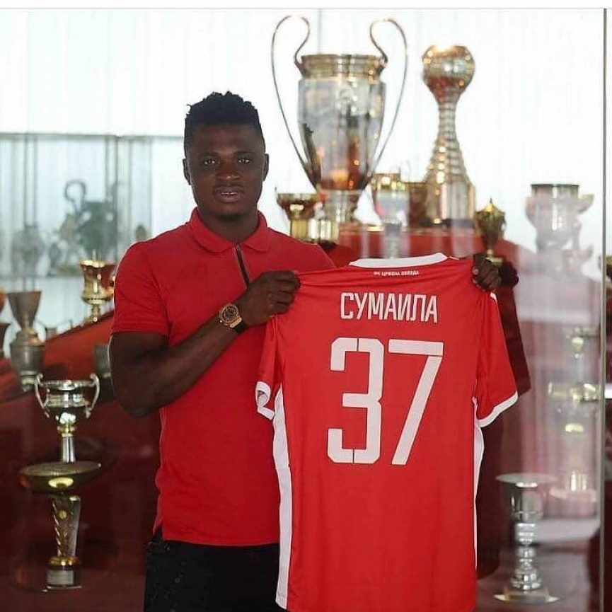 Rashid Sumaila handed his favorite no. 37 Jersey at Red Star Belgrade