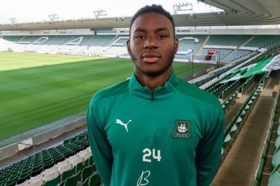 Fulham loan out Jerome Opoku to Plymouth Argyle FC