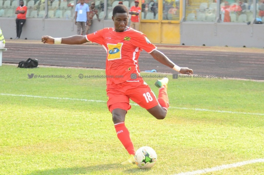Daniel Darkwah lands in Nigeria to complete Enyimba FC move